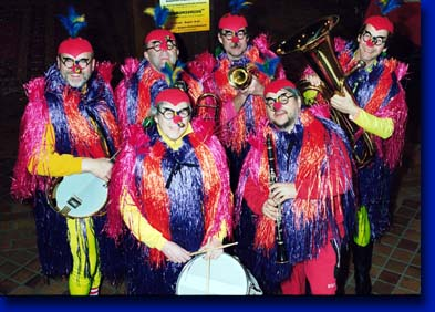 Die Blue Birds of Paradise an Fasnacht
